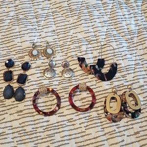 Lot of 6 earrings Baublebar Loft